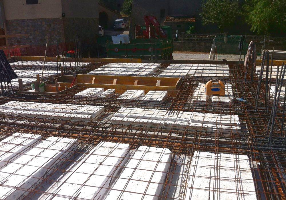 PROGETTAZIONE DI NUVOVE STRUTTURE Progettazione strutturale di nuovi complessi civili ed industriali nel settore residenziale, terziario e dell'Industria.